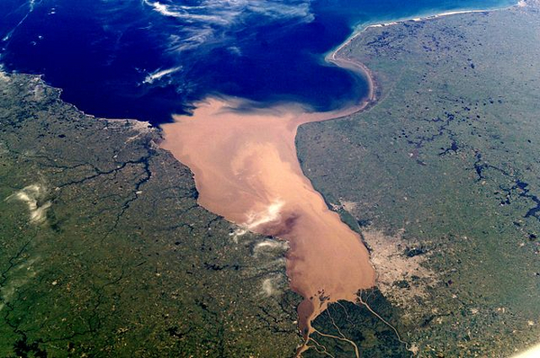 Rio dela Plata   NASA   Wikimedia Commons