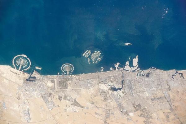 Dubai kystlinje   NASA   2014   Wikimedia Commons
