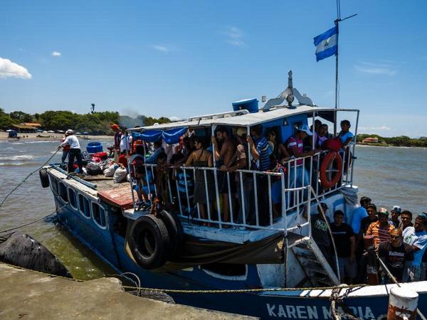 Peter Niesen 2012   Istock  crowded passenger ferry on lake nicaragua