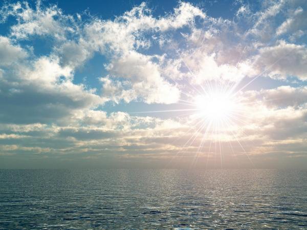 Solen over havet   COLOURBOX1471374