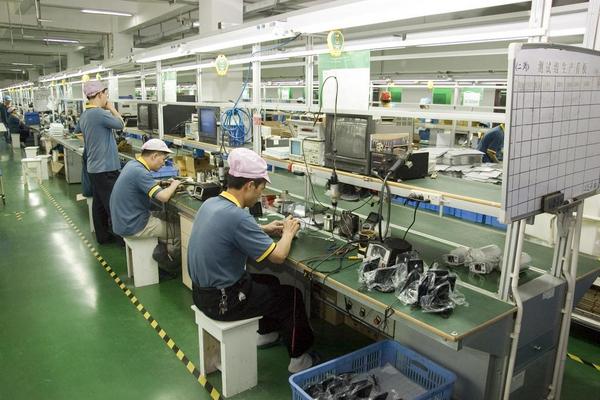Kinesiske arbejdere   shutterstock 52461220